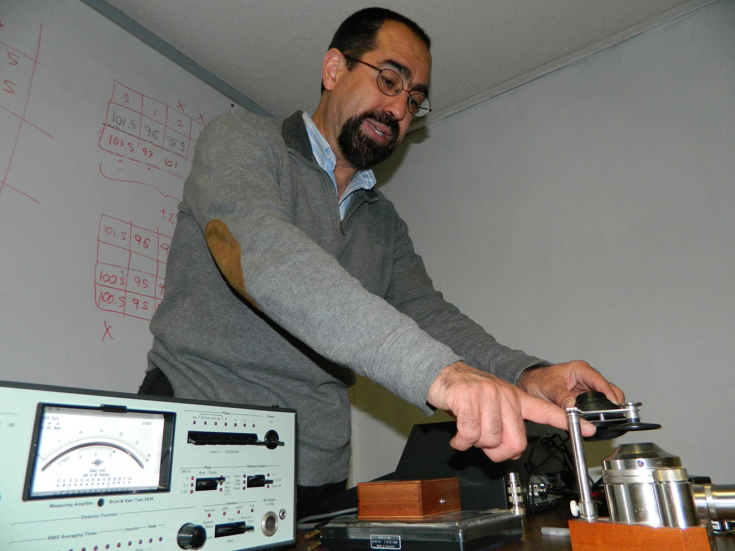 Dr. Felipe Orduña Bustamante
